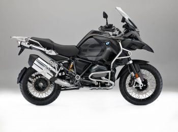 2017-bmw-r1200gs-adventure-triple-black-looks-sleek-109038_1