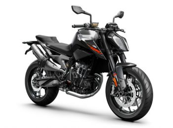 209315_KTM-790-DUKE-right-front-black-MY-2018